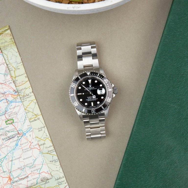 Rolex Submariner Date 16610 Men's Stainless Steel Watch For Sale 4