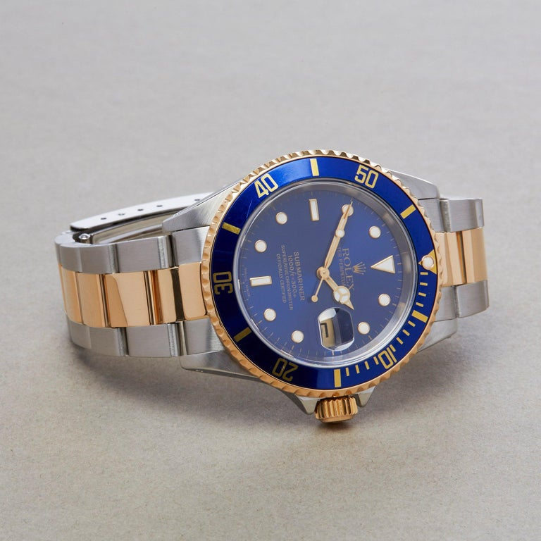Rolex Submariner Date 16613 Men's Stainless Steel and Yellow Gold Watch In Excellent Condition For Sale In Bishops Stortford, Hertfordshire