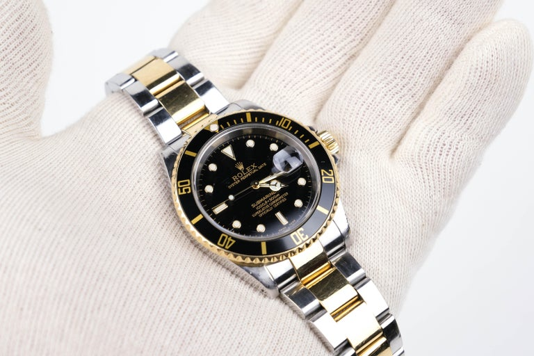 Rolex Submariner Date 18 Karat Gold In Good Condition For Sale In Bradford, Ontario