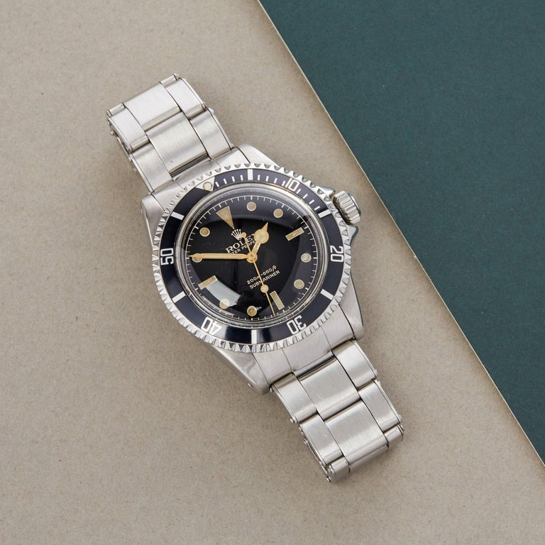 Xupes Reference: COM002772 Manufacturer: Rolex Model: Submariner Model Variant: Non Date Model Number: 5512 Age: 28-04-1962 Gender: Men Complete With: Rolex Box, Manuals, Chronometer Test Slip and Open Guarantee Dial: Black Gloss Gilt Meters