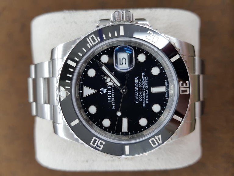 Rolex Submariner, Stainless Steel, Model Number, 116610LN, Registered 2012 In Excellent Condition For Sale In London, GB