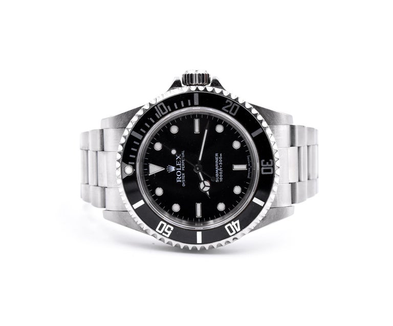 Rolex Submariner Stainless Steel No Date Watch Ref. 14060M In Excellent Condition For Sale In Scottsdale, AZ