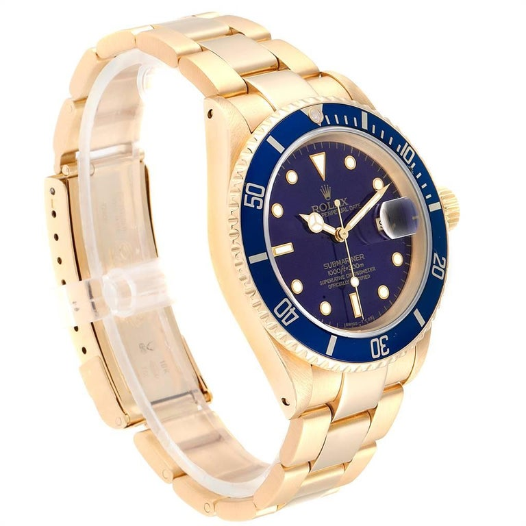 Rolex Submariner Yellow Gold Purple Dial Men's Watch 16618 In Excellent Condition For Sale In Atlanta, GA