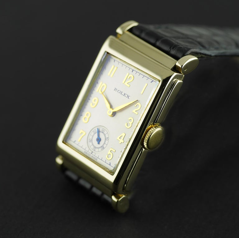 Rolex Yellow Gold Art Deco Articulated Lugs Chronometre Wristwatch, 1937 In Excellent Condition For Sale In London, GB