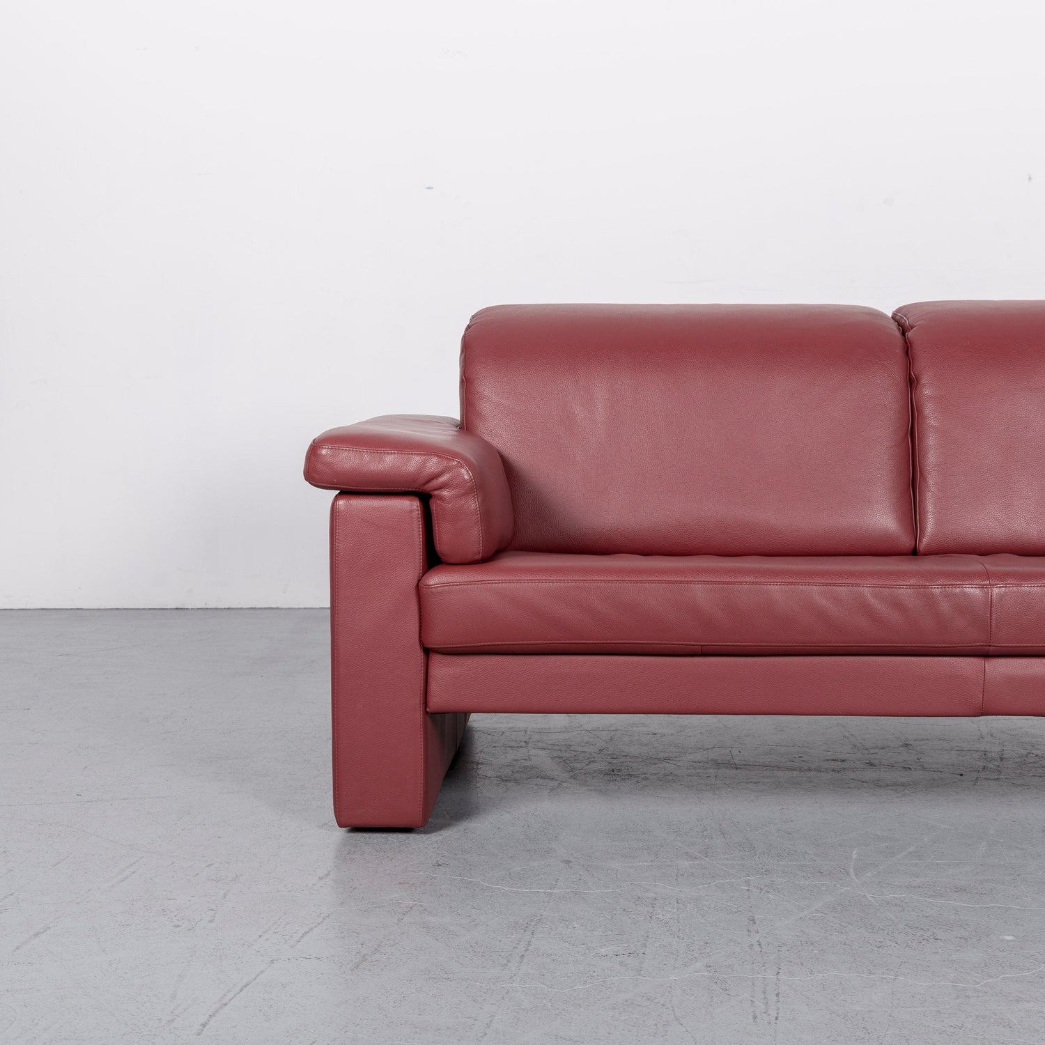 Rolf Benz 4000 Designer Leather Sofa Red Three-Seat Couch at 1stdibs