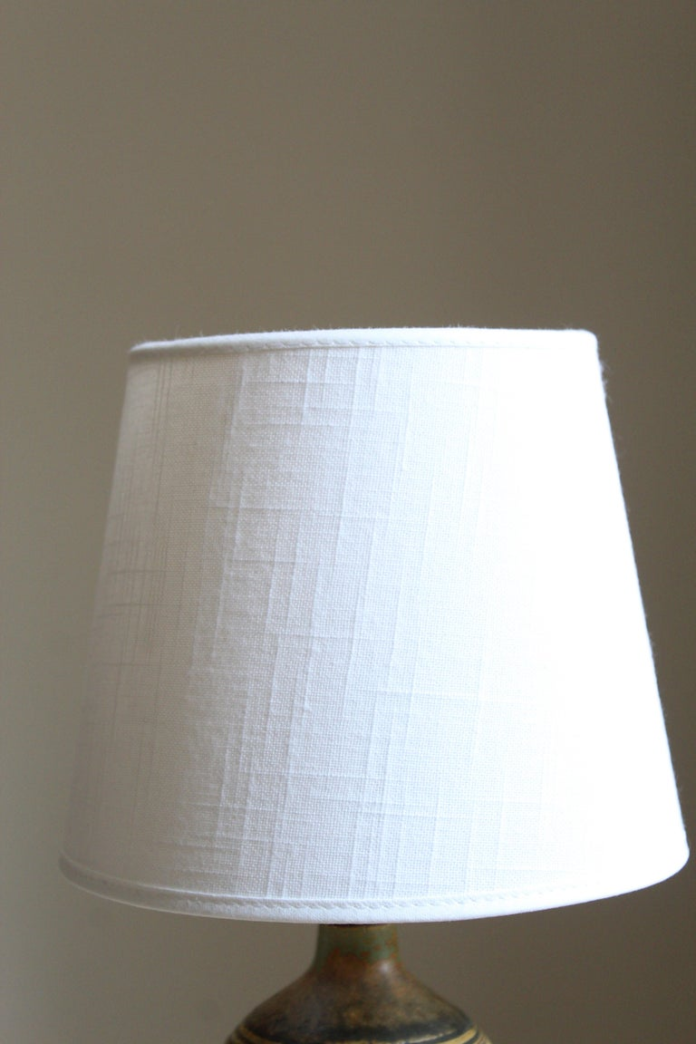 Mid-Century Modern Rolf Palm, Small Table Lamp, Glazed Stoneware, Linen, Mölle, Sweden, 1962 For Sale