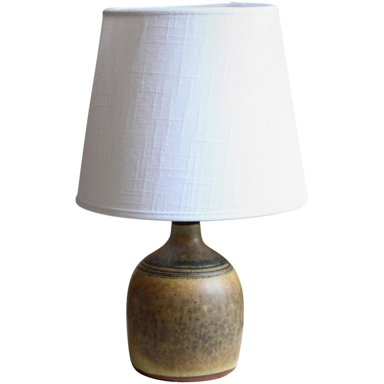 Rolf Palm, Small Table Lamp, Glazed Stoneware, Linen, Mölle, Sweden, 1962 For Sale