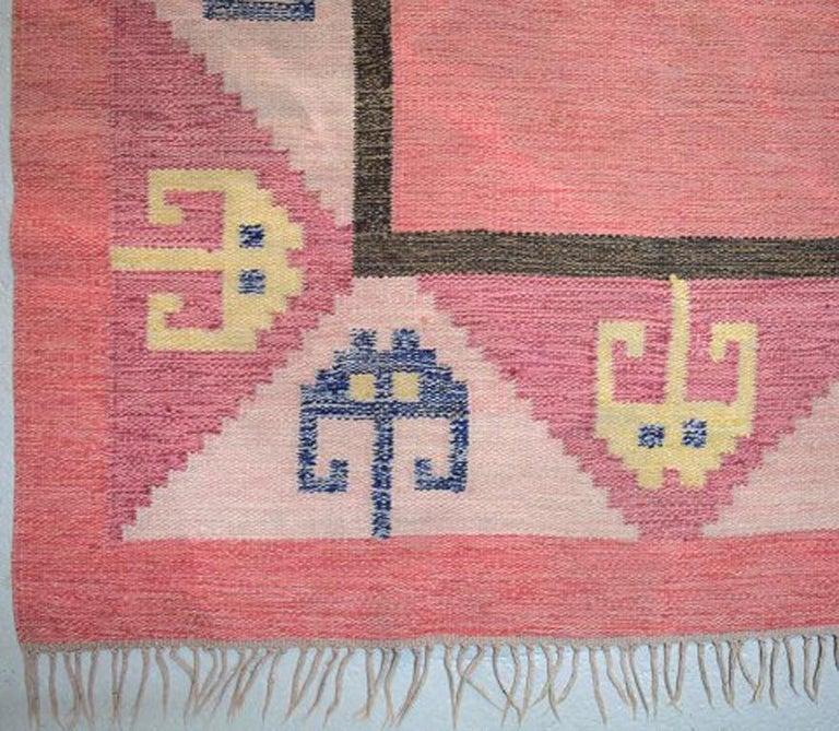Scandinavian Modern Röllakan Rug, Swedish Design, 1960s, Pink Shades For Sale