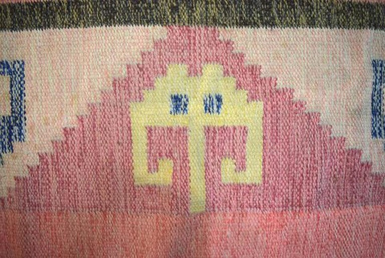 Röllakan Rug, Swedish Design, 1960s, Pink Shades For Sale 1
