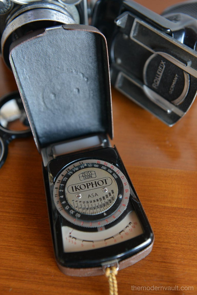 Rolleiflex 2.8E TLR Camera with Case and Accessories, circa 1958 For Sale 8