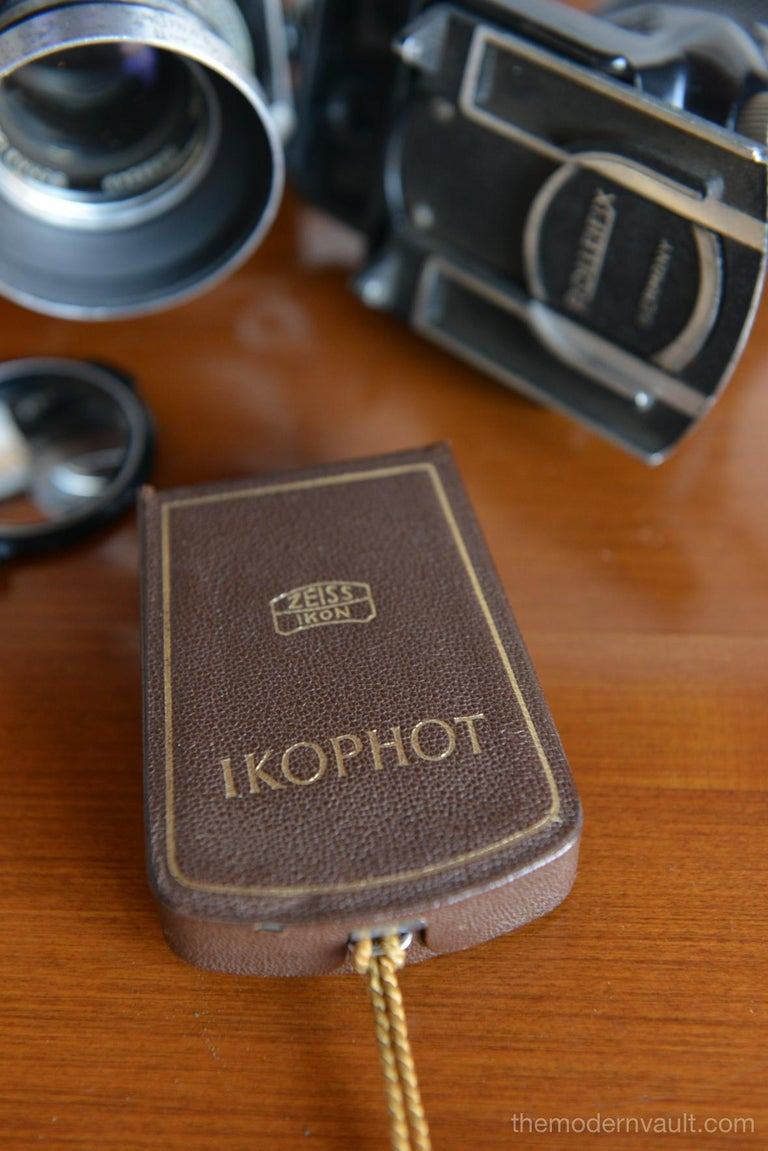Rolleiflex 2.8E TLR Camera with Case and Accessories, circa 1958 For Sale 9