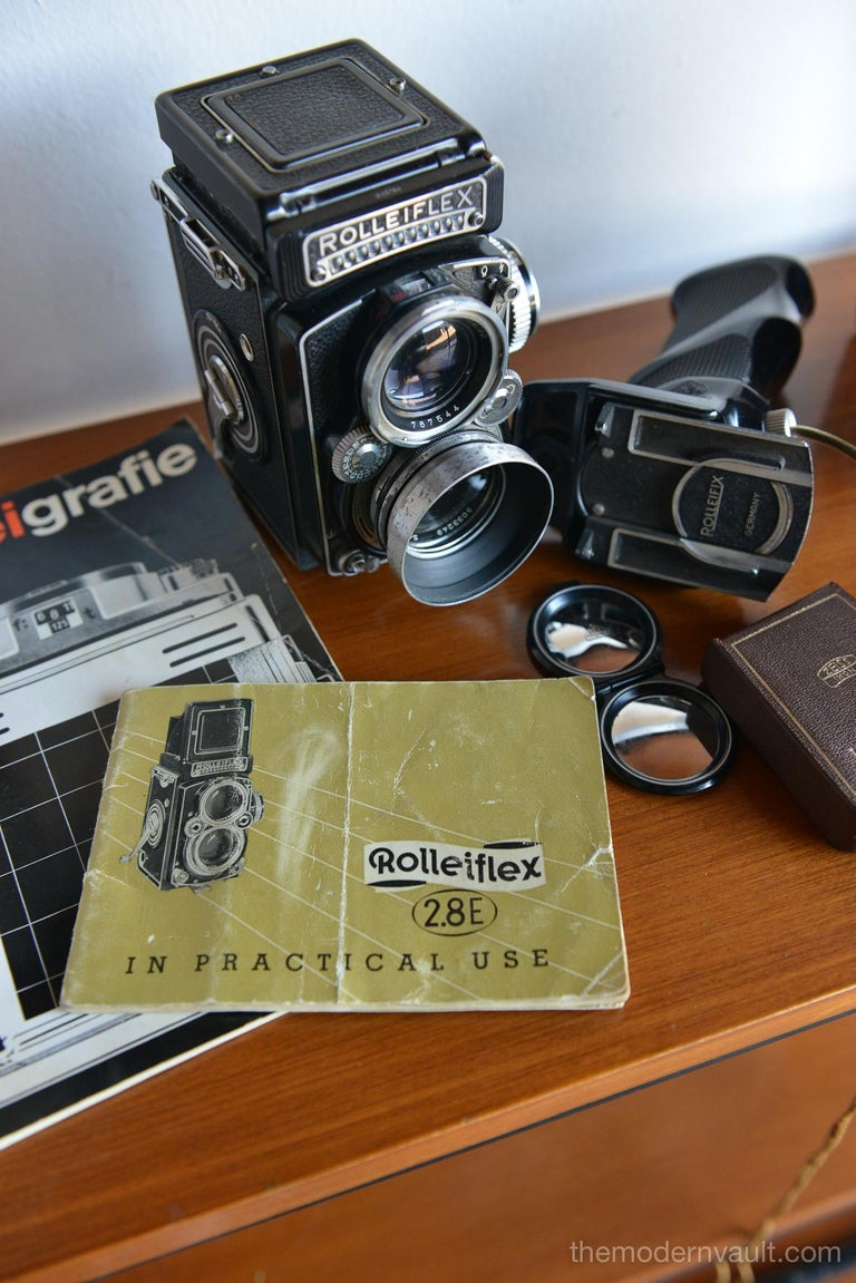 Rolleiflex 2.8E TLR Camera with Case and Accessories, circa 1958 For Sale 13