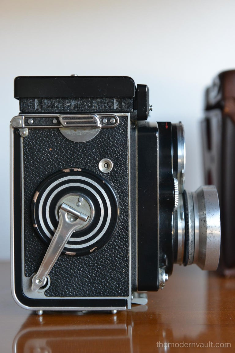 Rolleiflex 2.8E TLR Camera with Case and Accessories, circa 1958 In Good Condition For Sale In Costa Mesa, CA