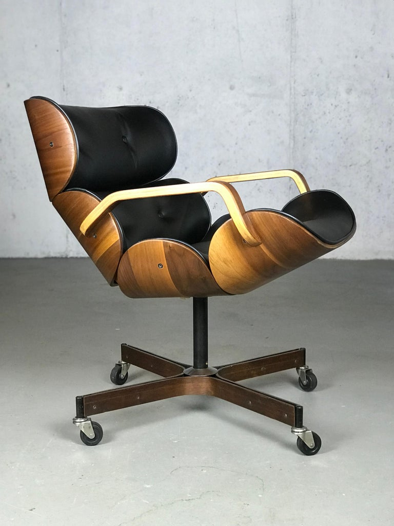 Rolling Segmented Lounge or Desk Chair by George Mulhauser for Plycraft For Sale 7