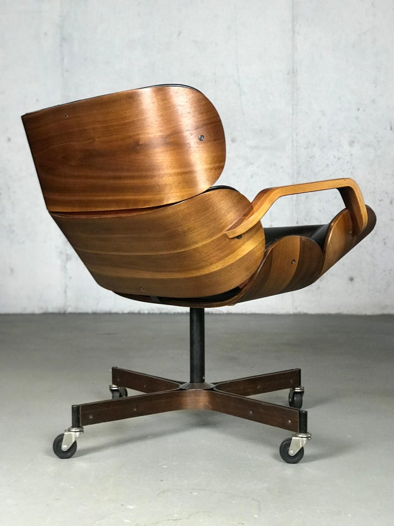 American Rolling Segmented Lounge or Desk Chair by George Mulhauser for Plycraft For Sale