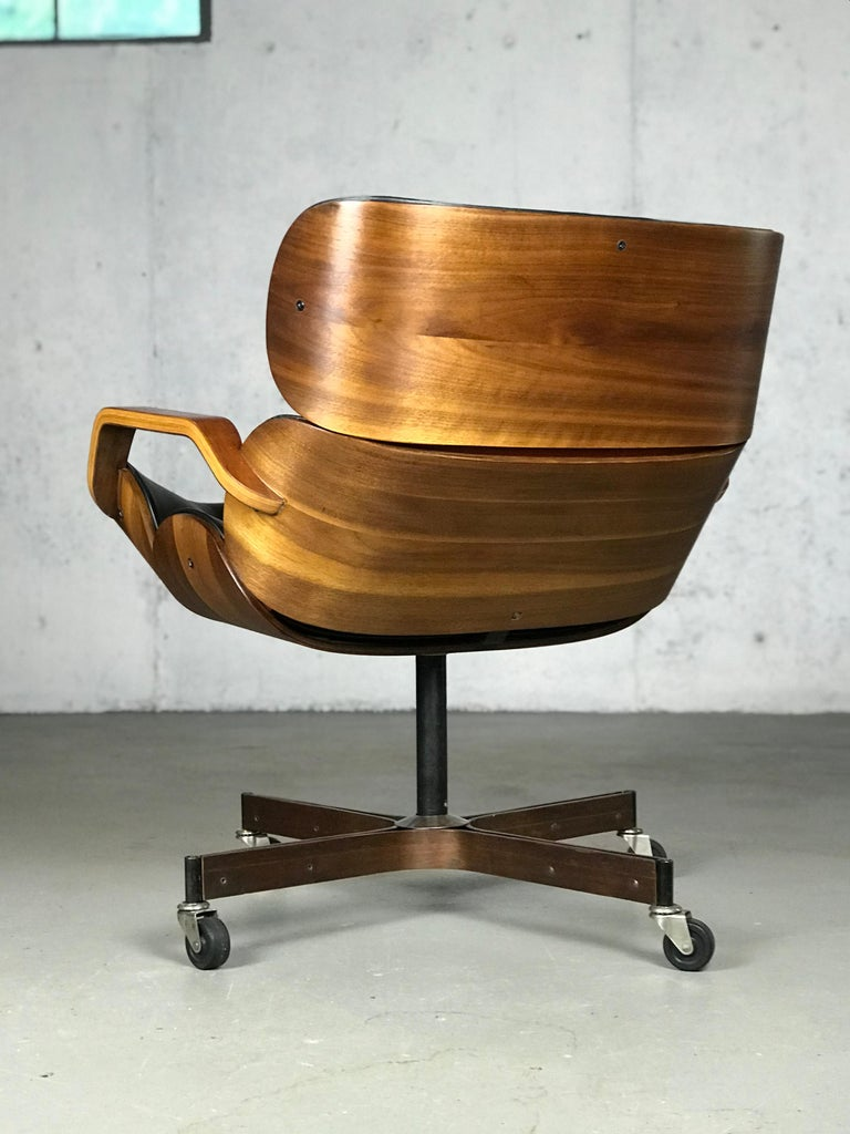 Rolling Segmented Lounge or Desk Chair by George Mulhauser for Plycraft In Good Condition For Sale In St.Petersburg, FL