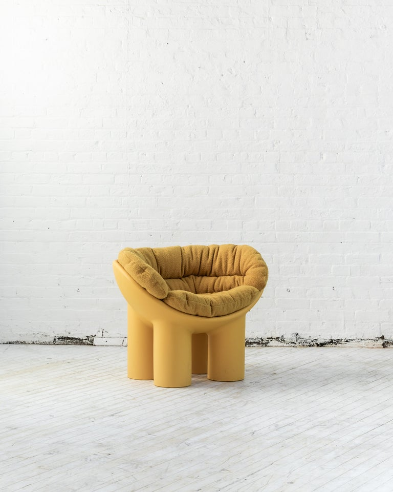 Duplex launches the ROLY POLY X CASENTINO Capsule Collection. An interpretation of the iconic Roly Poly armchair designed by Faye Toogood and manufactured by Driade, using the ancient Casentino cloth from Tuscany, Italy.  Casentino is a rugged and