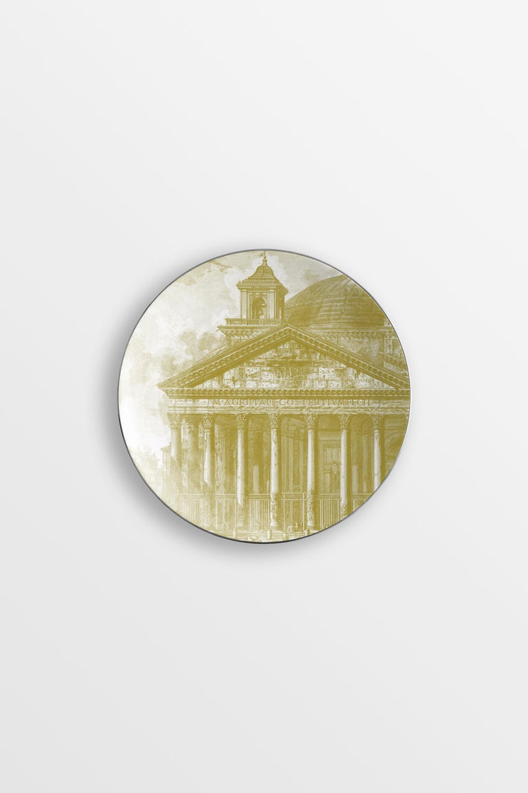 Roma collection is an ode to the magnificence of the eternal city. From the background of the dishes depicting some of the most iconic places in the city, such as the Pantheon and the Colosseum, stand out images of richly decorated vases. The set of