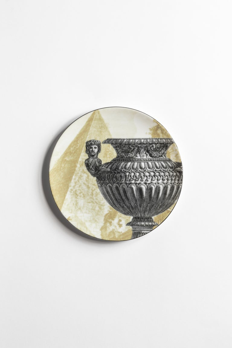 Roma, Six Contemporary Porcelain Dinner Plates with Decorative Design For Sale 3