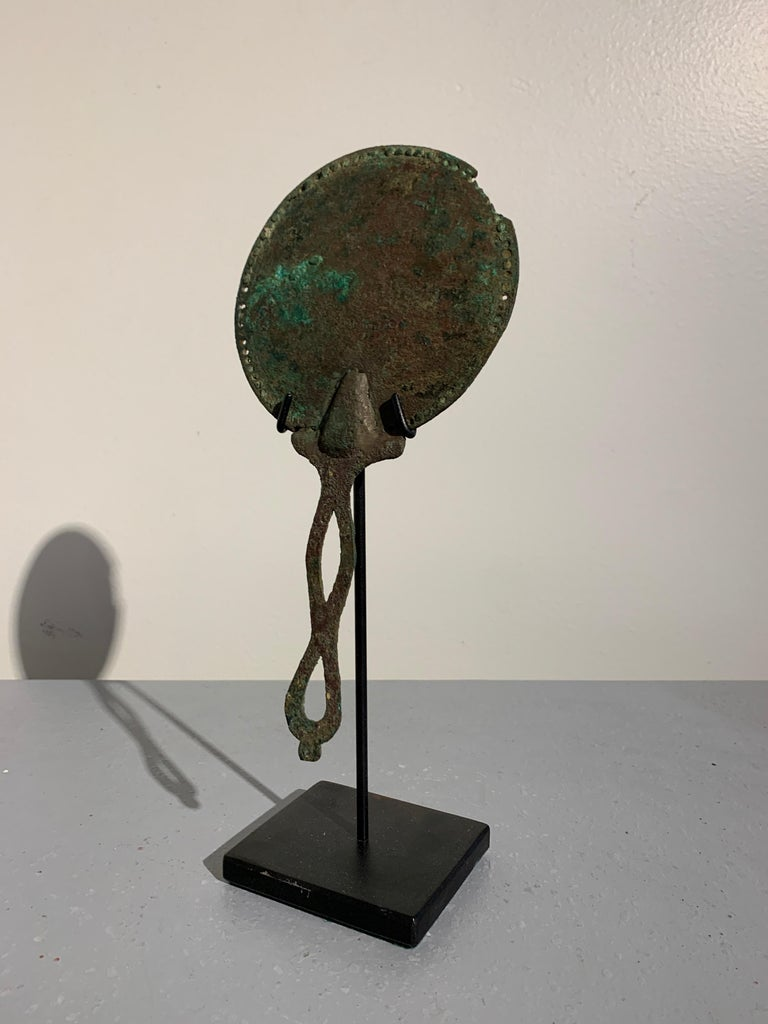 Classical Roman Roman Bronze Hand Mirror with Beautiful Patina, circa 1st Century For Sale