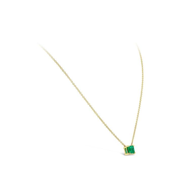 Contemporary Roman Malakov 1.04 Carat Green Emerald Solitaire Pendant Necklace For Sale