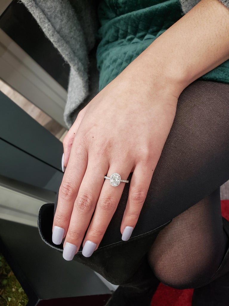 Roman Malakov 1.05 Carat Oval Cut Diamond Halo Engagement Ring In New Condition For Sale In New York, NY