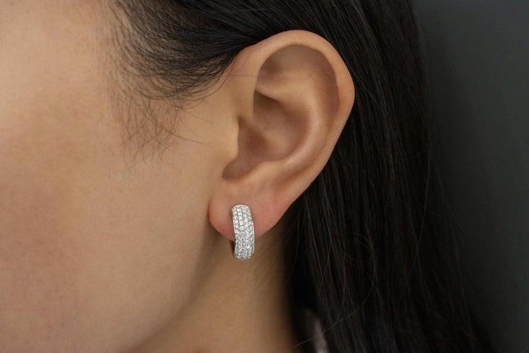 Contemporary Roman Malakov 1.19 Carat Round Diamond Huggie Hoop Earrings For Sale