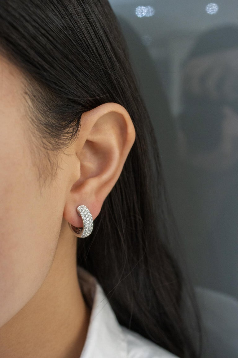Round Cut Roman Malakov 1.19 Carat Round Diamond Huggie Hoop Earrings For Sale