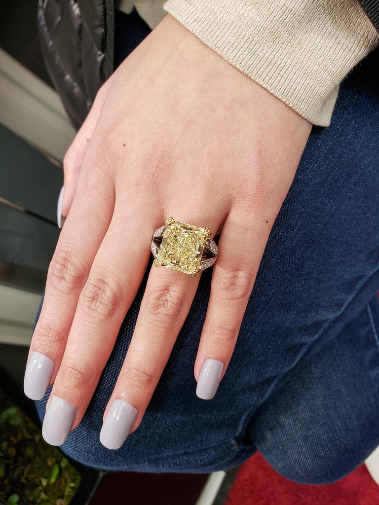 Contemporary Roman Malakov 13.95 Carat Yellow Diamond Split-Shank Engagement Ring, GIA For Sale