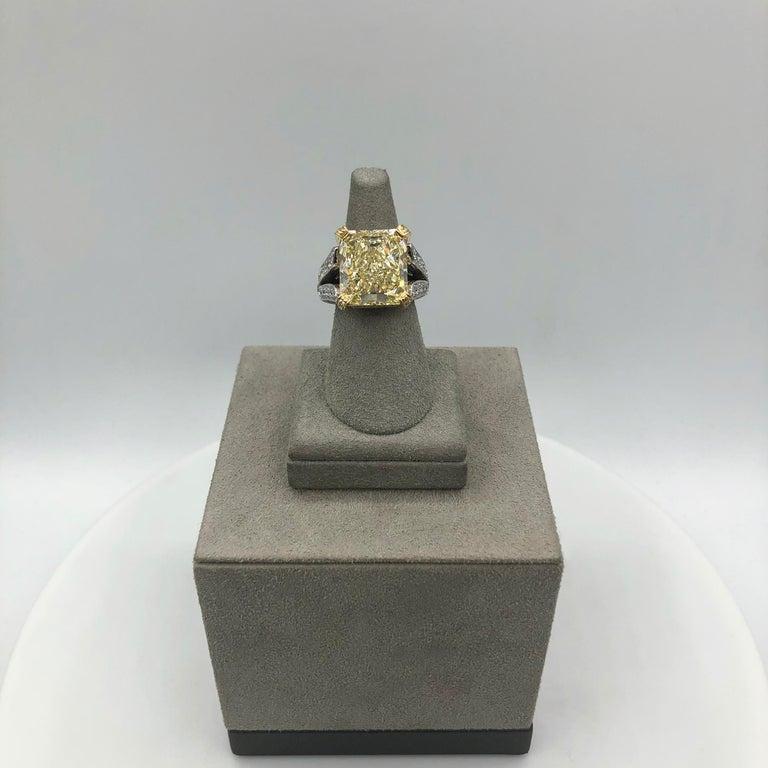 Women's Roman Malakov 13.95 Carat Yellow Diamond Split-Shank Engagement Ring, GIA For Sale