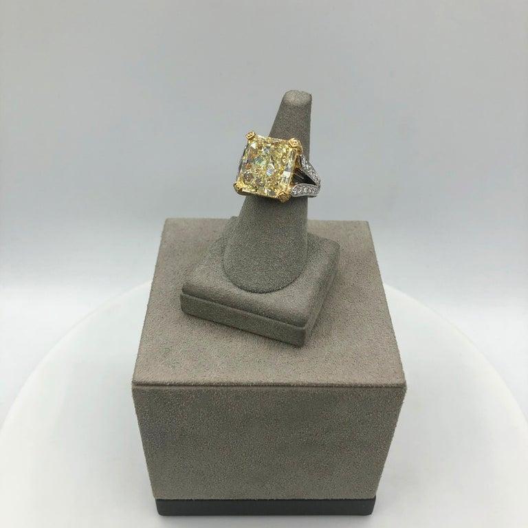 Roman Malakov 13.95 Carat Yellow Diamond Split-Shank Engagement Ring, GIA For Sale 2