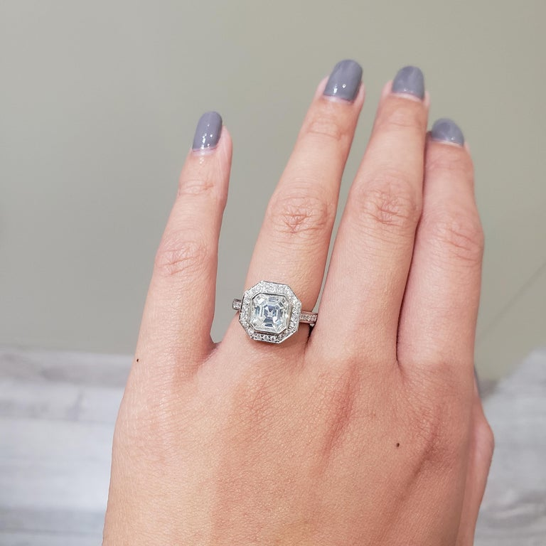Roman Malakov 2.07 Carat Asscher Cut Diamond Halo Engagement Ring In New Condition For Sale In New York, NY