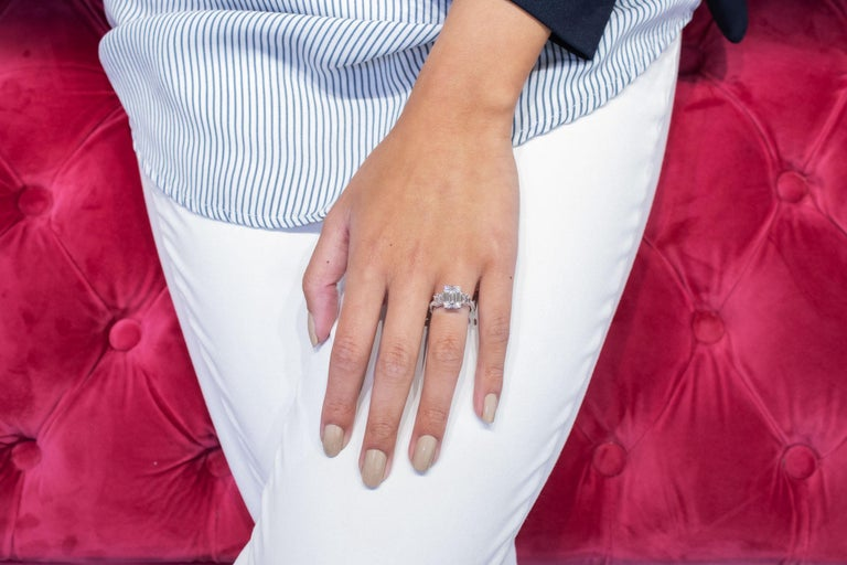 Roman Malakov Emerald Cut Illusion Diamond Cluster Engagement Ring In New Condition For Sale In New York, NY