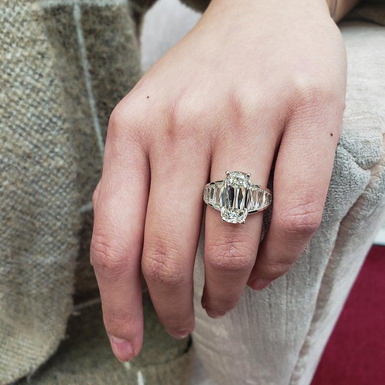 Women's Roman Malakov GIA Certified 5.60 Carat Elongated Cushion Diamond Engagement Ring For Sale