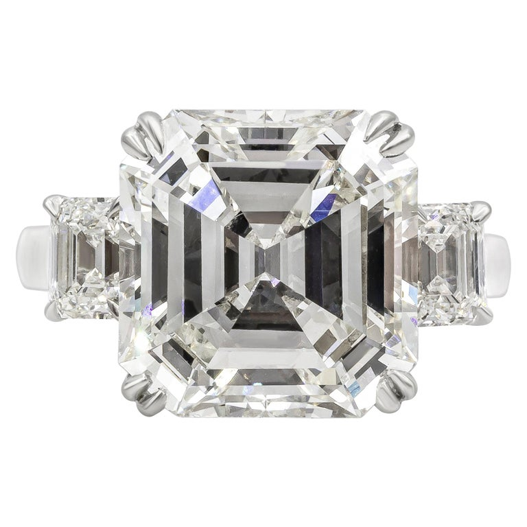 Roman Malakov GIA Certified Asscher Cut Diamond Three-Stone Engagement Ring For Sale
