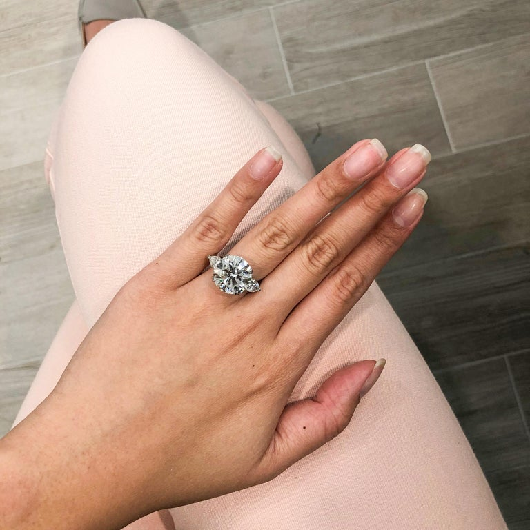 Contemporary Roman Malakov GIA Certified Round Diamond Three-Stone Engagement Ring For Sale