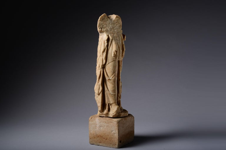 Classical Roman Roman Marble Statue of a Draped Woman, 100 AD For Sale