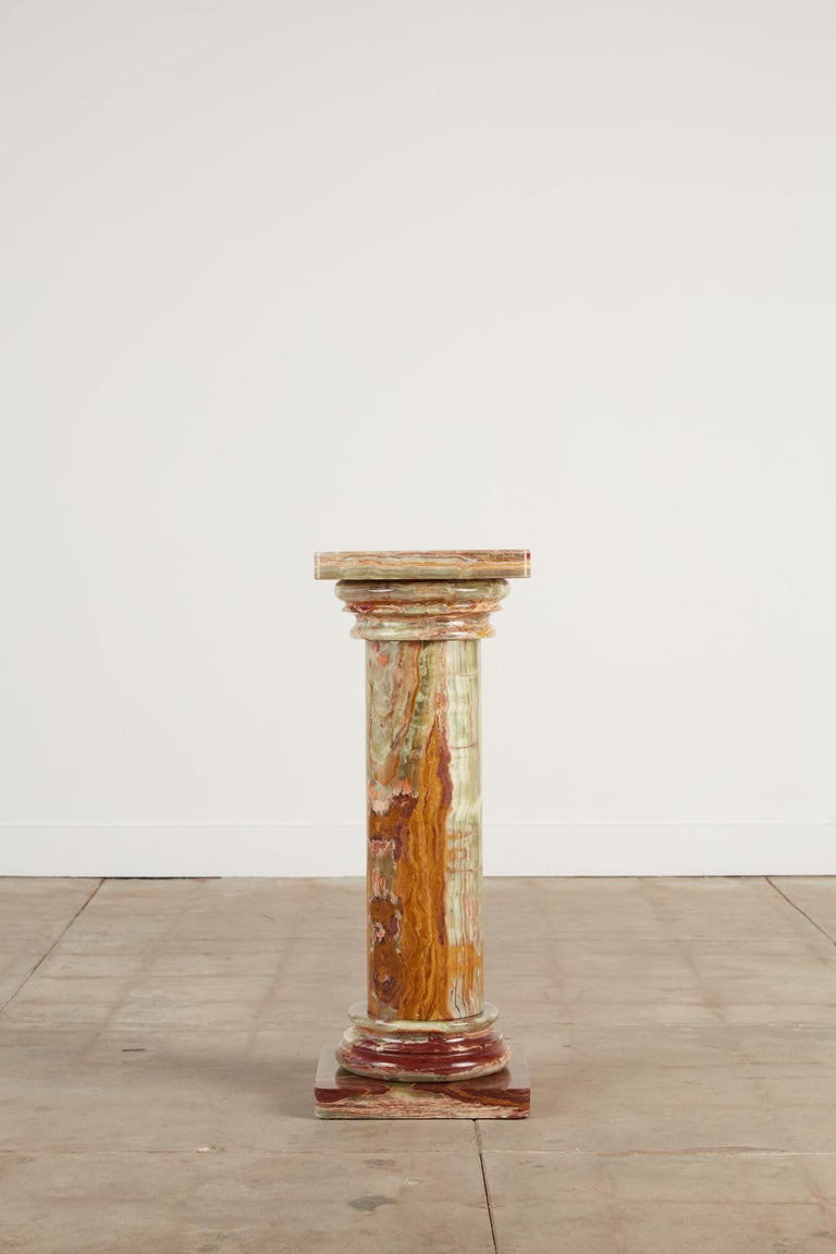 Roman Style Onyx Pedestal In Excellent Condition For Sale In Los Angeles, CA