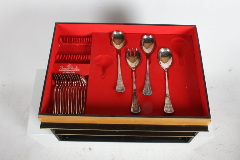 Romance, Bijorn Windblad Rosenthal Silverplate Flatware for 12 with Case 79 Pcs For Sale 3