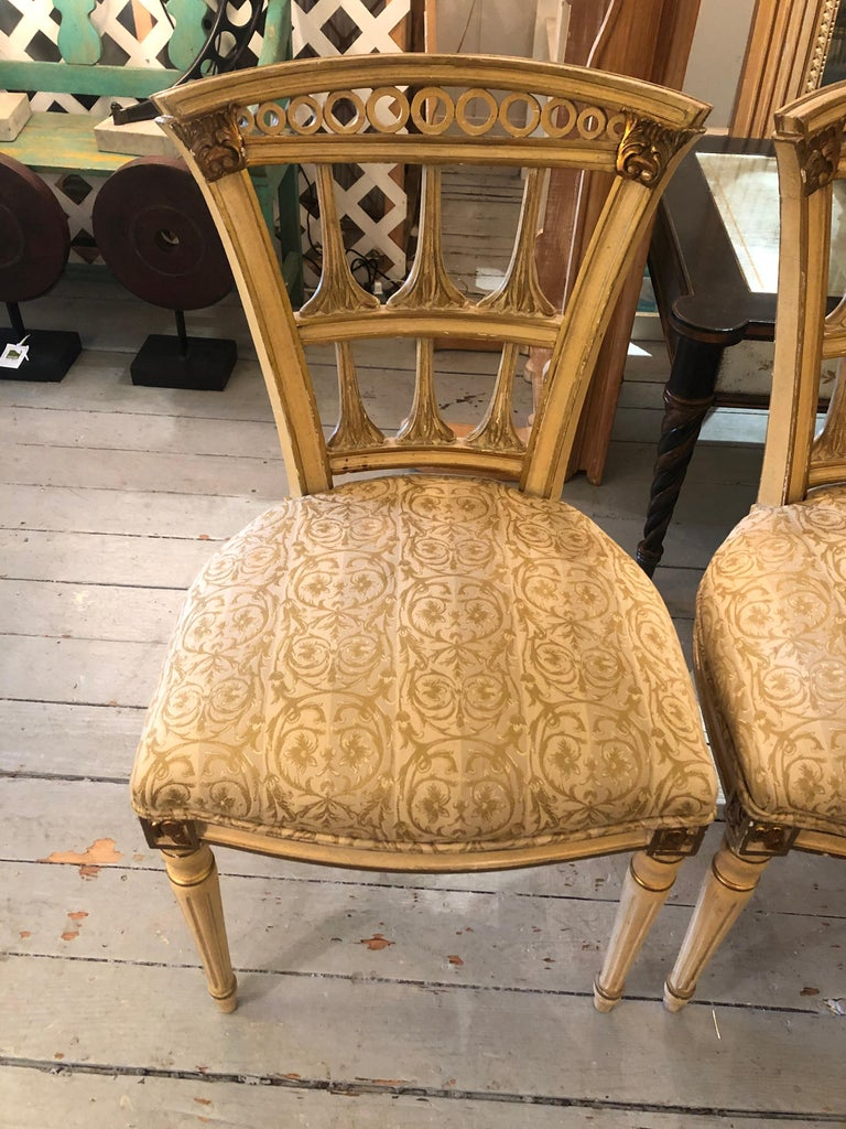 Romantic Set of 6 Italianate Style Dining Chairs In Good Condition For Sale In Hopewell, NJ