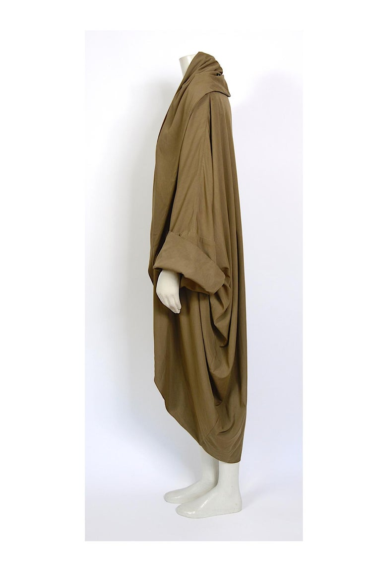 Romeo Gigli vintage 1990s collectors cocoon coat For Sale 2