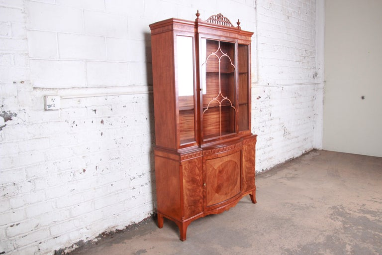 French Provincial Romweber Flame Mahogany Breakfront Display Cabinet or Bookcase, circa 1940s For Sale