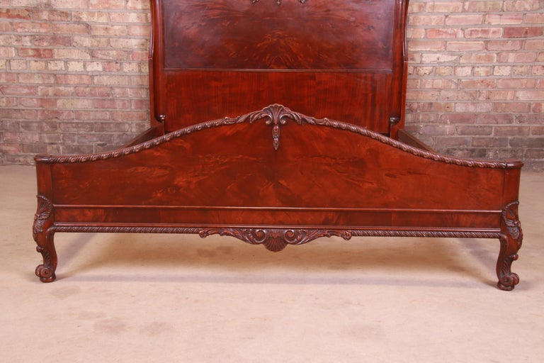 Romweber French Provincial Louis XV Burled Mahogany Full Size Bed, Circa 1920s 5
