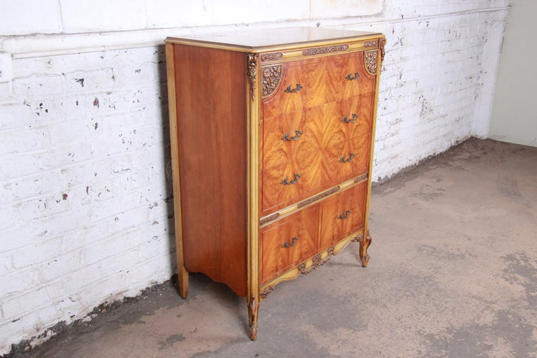 Romweber French Provincial Louis XV Burled Mahogany Highboy Dresser In Good Condition For Sale In South Bend, IN