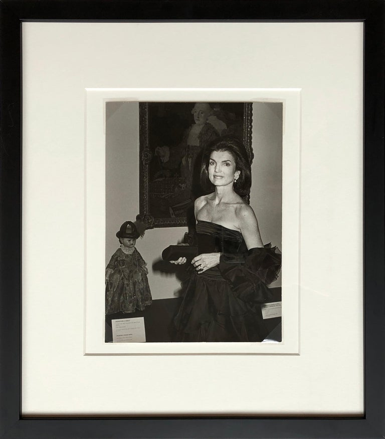 Ron Galella Black and White Photograph - Jacqueline Kennedy Onassis at the Metropolitan Museum of Art