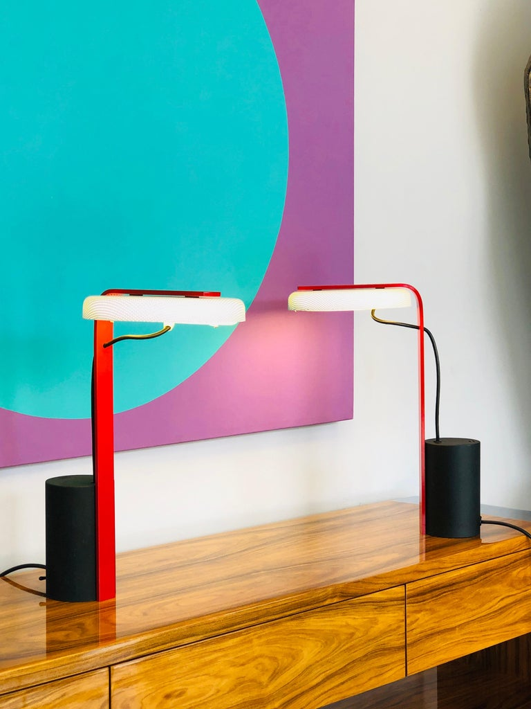 Ron Rezek Post Modern Red, Black and White Table Desk Pair of Lamps In Good Condition For Sale In Miami, FL
