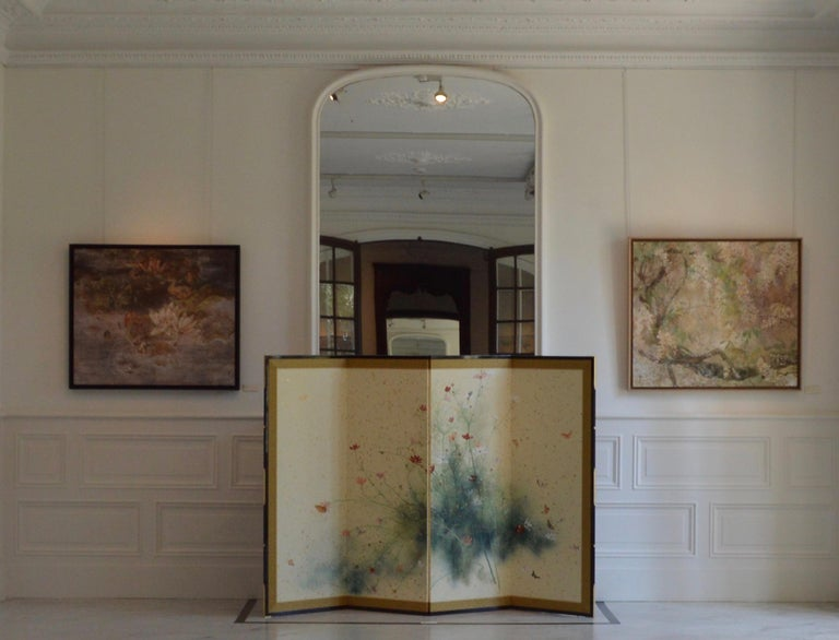 Ronde (mineral pigments on paper, 2014) is a four-panel folding screen by contemporary Taiwanese artist Yiching Chen. As a specialist of Nihonga (traditional Japanese painting), the painter expresses all the poetry she finds in nature with delicacy