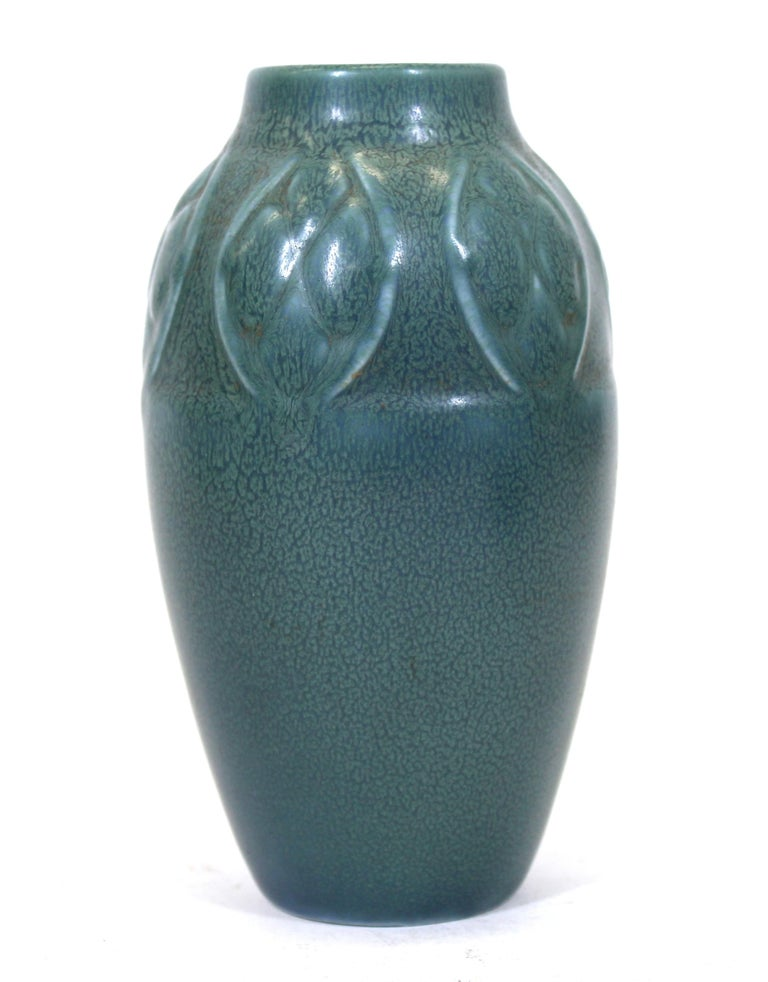 Rookwood Art Deco Pottery Ceramic Vase In Good Condition For Sale In New York, NY