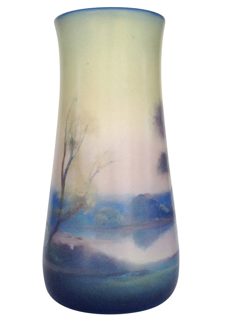Rookwood Pottery Vellum Glaze Vase, circa 1925 In Excellent Condition For Sale In Van Nuys, CA