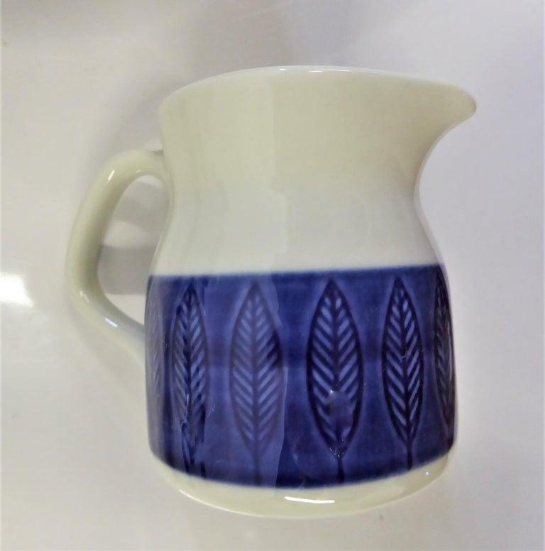 Rörstrand Coffee / Tea Set Koka Blå Pattern Designed by Hertha Bengtson, 1950s In Good Condition For Sale In Miami, FL